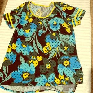 Excellent condition LuLaRoe shirt